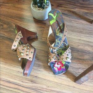 Shoes - Super Cute Unique Slip on Clog Style Sandals 👡